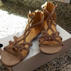 Lauren Conrad NWB, size 9 sandals